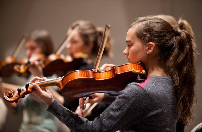 Konzert und Probe der Deutschen Streicherphilharmonie im Nikolaisaal Potsdam am 24.11.2013, Dirigent: Wolfgang Hentrich