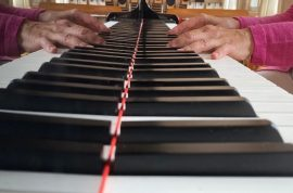 Klavier Hände klein