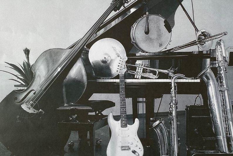 Monday_Night_Jazz_Band_Internet